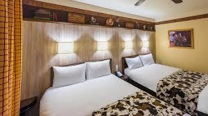 chambre standard hotel york disney chambres disney s hotel cheyenne hôtels disneyland