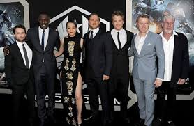 does idris elba have long legs and a short torso like an ll guy would