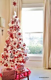 White Christmas Tree Decoration Ideas by Glamorous White Christmas Tree With Red Decorations 99 With