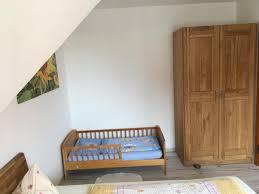 Schlafzimmer Einrichten Mit Kinderbett Familienpension Lüttje Insel Baltrum
