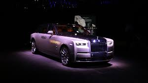 2018 rolls royce cullinan new rolls royce phantom meet the world u0027s most luxurious car
