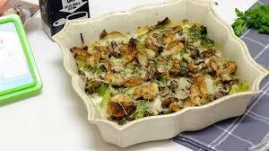 cuisiner brocolis a la poele gratin aux poireaux chignons et brocolis vegan recette par