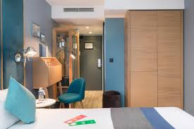 chambre des m騁iers 77 hotel quality suites bnf booking com