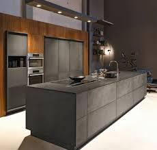 cuisine couleur grise cuisine gris anthracite 56 idées pour une cuisine chic et moderne