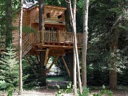 chambre d hote cabane dans les arbres la cabane de rémi une fabuleuse cabane dans les arbres aux portes
