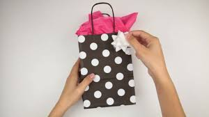 how to use tissue paper in a gift box how to put tissue paper in a gift bag 15 steps with pictures