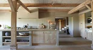 cuisine bois rustique cuisine en bois de beaux modèles déco pour s inspirer
