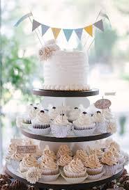wedding cake and cupcakes wedding cupcakes a wedding cake