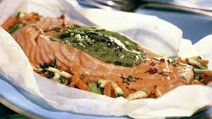 cuisiner oseille recette saumon à l oseille en papillote recette plat recette