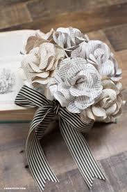 bouquet en papier best 25 book flowers ideas on pinterest newspaper crafts paper