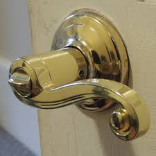 Exterior Door Knob Sets by Pinpoint Uncertainty How To Fix The Lever That Came Off Of Your