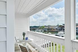 balconey hotel rooms u0026 suites in charleston shem creek inn