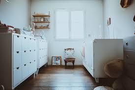 chambre pour jumeaux chambre bébé jumeaux jolies idées de décoration le déco des