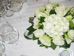 composition florale mariage une décoration florale de mariage raffinée