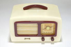 Plum Toaster Catalin Sonora Radio Km