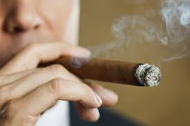 feeling light headed after smoking cigarette how to avoid getting sick from smoking a cigar