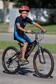 si e bebe velo comment bien choisir casque vélo de route