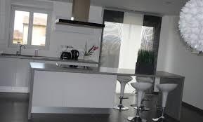 cuisine blanche carrelage gris cuisine blanche carrelage gris charming idee deco pour cuisine