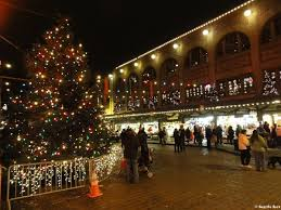 the pike place market christmas tree seattle rex
