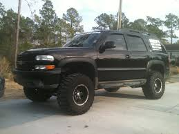 muddy truck i should so do this to my tahoe and add muddy camo accents