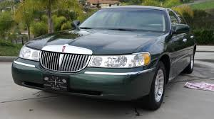 Old Lincoln Town Car 1998 Lincoln Town Car Information And Photos Zombiedrive