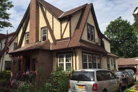 donald trump u0027s childhood queens home finds a renter in less than a