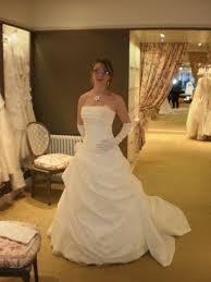 essayage robe de mari e essayage d une parure de mariée les bijoux de nadège