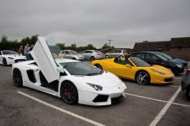 lamborghini aventador rev lamborghini aventador small rev and loud acceleration with