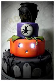 halloween fondant cakes 216 best fondant holiday cakes cupcakes toppers images on