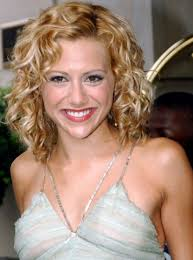 mid length curly hairstyles this ideas can make your hair look
