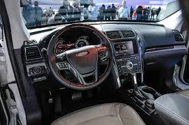 Ford Explorer Mpg - 2016 ford explorer adds platinum trim and new engine for l a debut