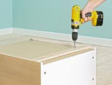 putting up kitchen cabinets how to install wall and base kitchen cabinets how tos diy