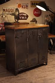 objet deco retro vestiaire ancien recoupé deco loft meuble industriel vintage