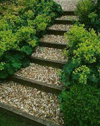 Backyard Pathway Ideas This For The Steps By The Chicken Coop 25 Lovely Diy