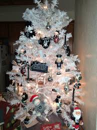 my raiders christmas tree stuff i made pinterest raiders