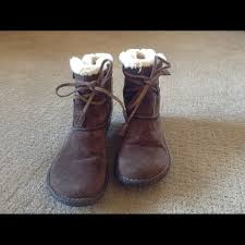 s suede ankle boots size 9 64 ugg shoes ugg brown suede ankle boots s n 5178 size 9