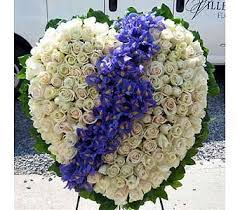 funeral flowers delivery 133 best sympathy flowers images on funeral flowers