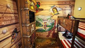 pirate rooms legoland windsor resort