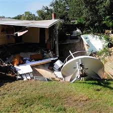 Boat A Home Massive Florida Sinkhole Swallows Boat And Swimming Pool