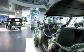 audi museum sonderausstellung streifenwagen razzia im audi museum