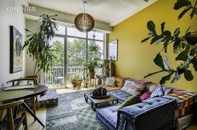 Tropical Decor 3 250 Month Williamsburg Apartment Comes Furnished With Chic