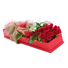 Roses In A Box Attractive 18 Long Stem Roses With Babies Breath In A Box