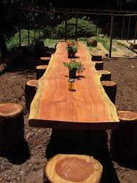 Designs For Wooden Picnic Tables by Best 25 Log Table Ideas On Pinterest How To Use Log Log