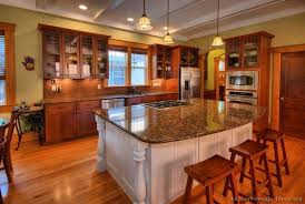 traditional two tone kitchen cabinets 190 kitchen design ideas