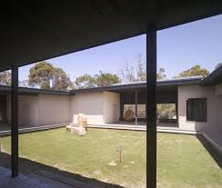 houses with courtyards house with courtyard in the middle in australian outback modern