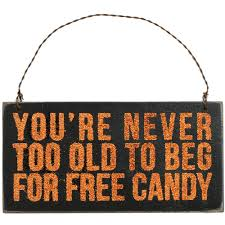 wooden halloween sign free candy 5 75 x 3 20154