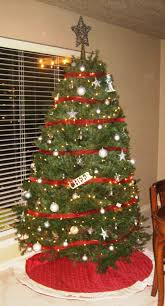 how to wrap ribbon around tree designs