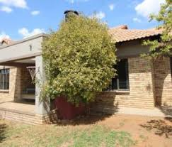 3 Bedroom Townhouse For Sale by Townhouses For Sale In Bloemfontein Bloemfontein Property