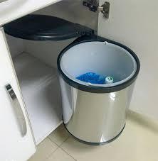 poubelle automatique cuisine poubelle coulissante ouverture automatique avec poubelle coulissante