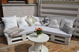mit paletten wohnideen sofa selber bauen 60 wohnideen mit europaletten palettenmbel